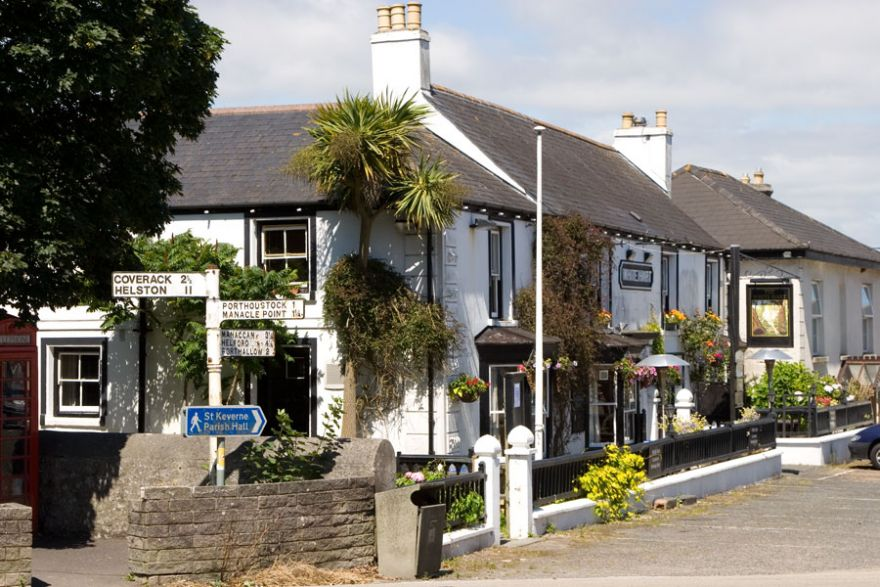 The White Hart - St Keverne